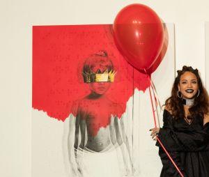 """Rihanna - e os fãs - estão muito felizes com os três anos do álbum """"Anti"""""""