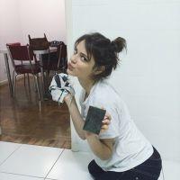 Chay Suede dá bom dia no Instagram com foto de Laura Neiva