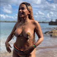 A Anitta escolheu musas que a inspiram para se fantasiar no Carnaval 2019 e tá dando o que falar