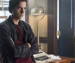 """De """"Riverdale"""", Cole Sprouse falou sobre a comoção pela morte de Luke Perry"""