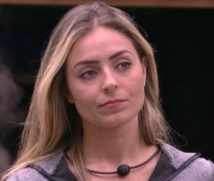 """Campeã do """"BBB19"""", Paula é proibida pela família de dar entrevistas"""