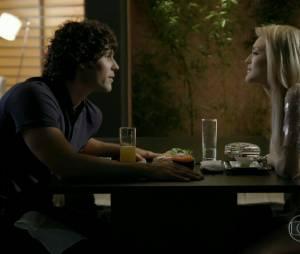 """Em """"Geração Brasil"""", Megan (Isabelle Drummond) e Arthur (Dudu Azevedo) têm saído muito juntos"""
