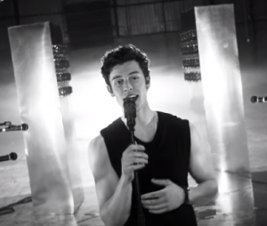"""Shawn Mendes lança o clipe de """"If I Can't Have You"""""""