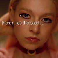 """Zendaya é uma adolescente viciada em drogas no primeiro trailer de """"Euphoria"""", sua nova série"""