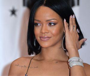 Rihannaafirmou que o primeiro single de seu novo álbum será algo poderoso e parecido com antigos hits