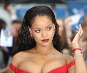 """Rihanna:novo álbum ainda não tem data de lançamento, mas deve se chamar """"R9"""", nome que seus fãs deram"""