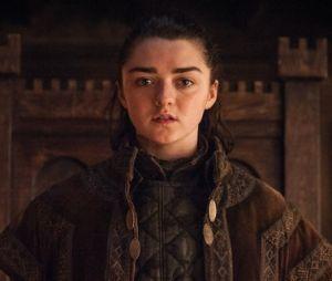 """George R.R. Martin, autor de """"Game of Thrones"""", declarou que existem cinco ideias de spin off e três já estão em andamento. Será que teremos uma série sobre Arya (Maisie Williams)?"""