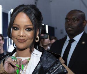 Rihanna surpreendeu SZA com cartão-presente e cartão fofo após episódio de racismo