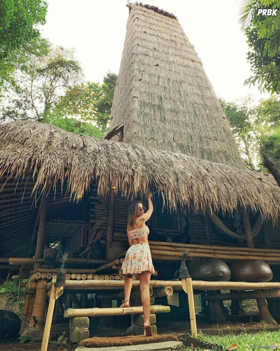 Anitta está de férias na Indonésia para relaxar
