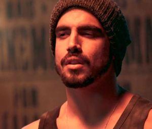 """""""A Dona do Pedaço"""": Rock (Caio Castro) tira a virgindade de Fabiana (Nathalia Dill)"""