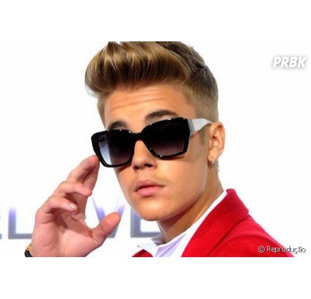 Justin Bieber anuncia retomada da carreira em seu Twitter