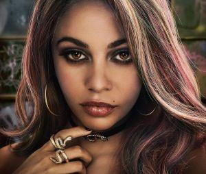 """Em """"Riverdale"""", Vanessa interpreta Toni, personagem que tem as mechas rosas como sua marca registrada"""