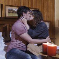 """Novela """"Alto Astral"""": Caíque salva Laura e os dois se beijam!"""