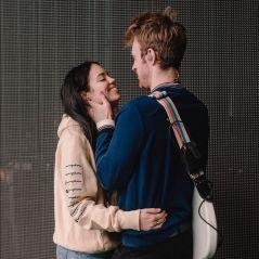 Estaria Finneas O'Connell namorando uma menina igual à sua irmã, Billie Eilish?