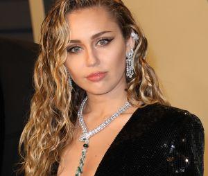 Miley Cyrus acaba de vez com boatos de traição em casamento com Liam Hemsworth