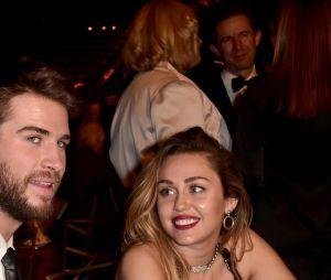 Miley Cyrus fala sobre relacionamento e respeito a Liam Hemsworth