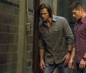 """Sam (Jared Padalecki) e Dean (Jensen Ackles) podem enfrentar Deus (Mark Pellegrino) e Escuridão(Emily Swallow) na 15ª temporada de """"Supernatural"""""""