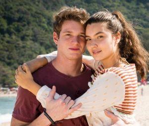 """""""Malhação"""": o namoro de Rita (Alanis Guillen) e Filipe (Pedro Novaes) ficará abalado com a chegada de Rui (Romulo Arantes Neto)"""