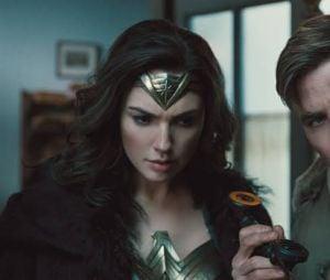 """""""Mulher Maravilha 1984"""": Diana Prince (Gal Gadot) e Steve Trevor (Chris Pine) se reencontrarão"""