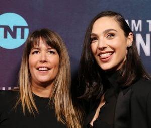"""Gal Gadot e Patty Jenkins estão no Brasil para a CCXP 2019 e a promoção de """"Mulher-Maravilha 1984"""""""