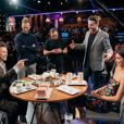 "Harry Styles e Kendall Jenner jogam verdade ou desafio durante ""The Late Late Show"""