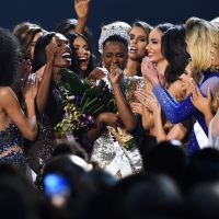 Zozibini Tunzi, a Miss Universo 2019, decidiu se libertar dos padrões e fez transição capilar