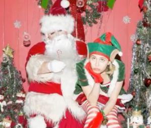 Miley Cyrus lança música triste de Natal e desabafa com seguidores
