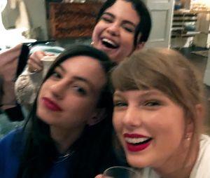 Taylor Swift e Selena Gomez provaram mais uma vez que são muito amigas, né?