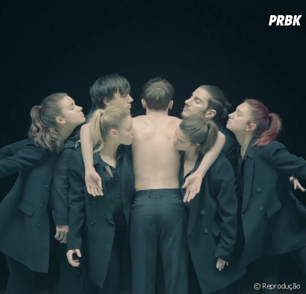 "BTS lançou primeiro single da era ""MAP OF THE SOUL: 7"", ""Black Swan"""