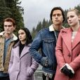 """Em """"Riverdale"""", Betty (Lili Reinhart), Jughead (Cole Sprouse), Archie (KJ Apa) e Veronica (Camila Mendes) já chegaram a ser praticamente um """"quadrado amoroso"""""""