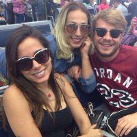 Valesca Popozuda e Anitta rivais? Divas dividem selfie no melhor estilo BFFs!
