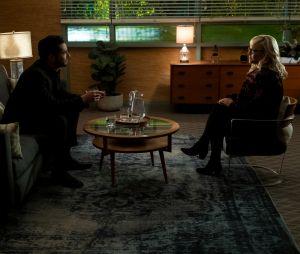 """""""Lucifer"""": Linda (Rachael Harris) sempre dá ótimos conselhos pro Lucifer (Tom Ellis), mas ele também é muito bom nisso quando quer"""