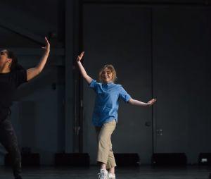 """""""Dançarina Imperfeita"""":Sabrina Carpenter é a protagonist da história"""