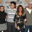 Após rumor sobre turnê do RBD em 2022, Anahi informa que pegou Covid-19 durante live de reencontro