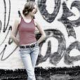 Calça de cintura baixa ainda divide opiniões no debate da moda