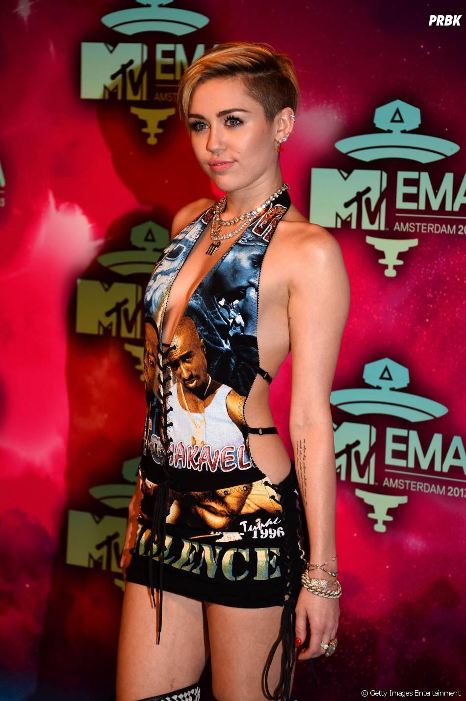 Miley cyrus ema awards