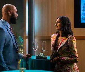 """""""Eu Nunca"""": Doutor Jackson (Common) pode ser um interesse amoroso para Nalini (Poorna Jagannathan), a mãe de Devi(Maitreyi Ramakrishnan) na 2ª temporada"""