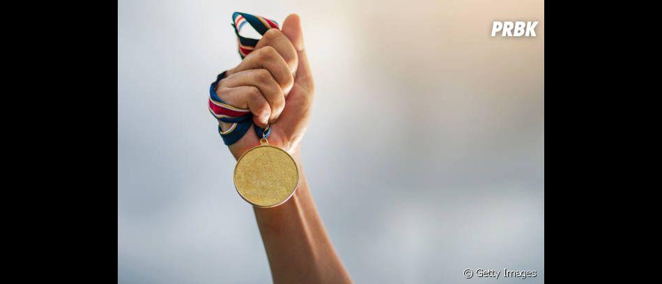 Um grande momento marcante para o Brasil foi a conquista da sua primeira medalha de ouro nas Olimpíadas, com tiro esportivo, em 1920