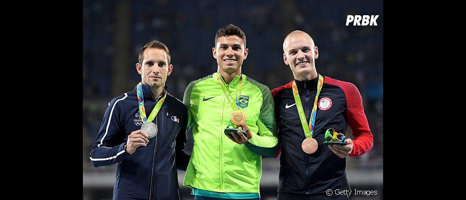 Thiago Braz proporcionou outro momento muito marcante para o Brasil, quando quebrou o recorde olímpico e conquistou o ouro no salto com vara nas Olimpíadas de 2016