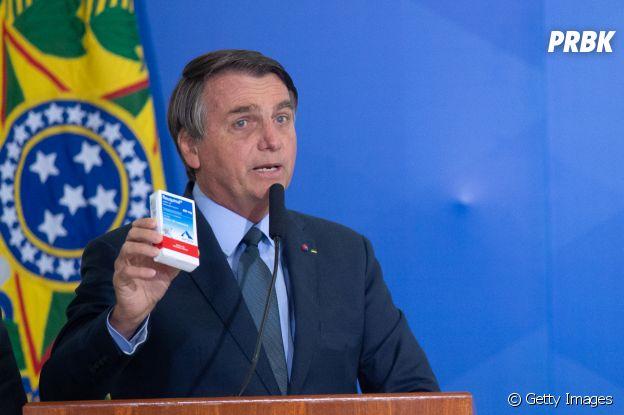 Presidente Bolsonaro vira chacota internacional ao ter posicionamentos antidemocráticos e contra vacinação