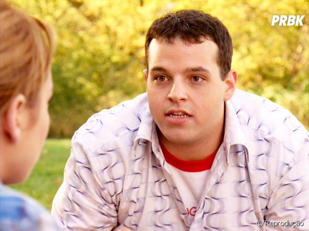"""Damian (Daniel Franzese) foi um dos importantes coadjuvantes em """"Meninas Malvadas"""", ao lado de Janis (Lizzy Caplan)"""