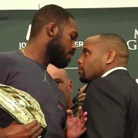 """No """"UFC 182"""": Jon Jones e Daniel Cormier se enfrentam pelo cinturão em luta que já foi remarcada!"""