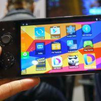 Smartphone feito para gamers roda Android e tem visão 3D estilo o Nintendo 3DS