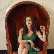 """Em """"Revenge"""", a atriz Elena Satine, que vive Louise Ellis, é promovida para o elenco fixo!"""