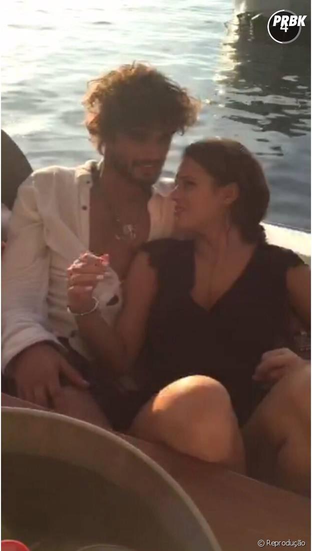 Em Florianópolis, Bruna Marquezine e Marlon Teixeira também fizeram um passeio de barco pós-balada com os amigos