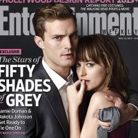 """""""50 Tons de Cinza"""": Jamie Dornan e Dakota Johnson posam pela primeira vez juntos e filme fica para 2015"""