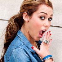 """Miley Cyrus aparece nua em novo ensaio para a revista """"V"""" Magazine! OMG"""