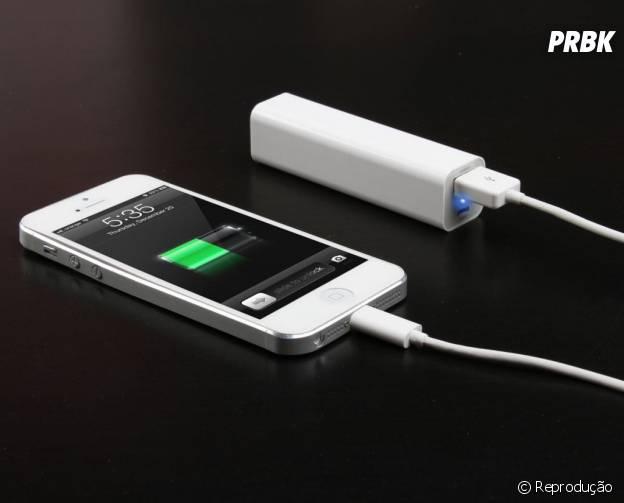 Bateria externa recarrega o celular na hora do aperto