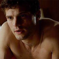 """De """"50 Tons de Cinza"""": Christian Grey (Jamie Dornan) sem camisa em nova cena divulgada na íntegra!"""