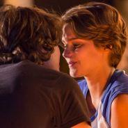 """Novela """"Malhação"""": Karina (Isabella Santoni) se declara para Pedro (Rafael Vitti)"""